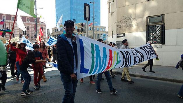 Marcha contra Termoeléctrica Los Rulos convocó a 3 mil personas en Valparaíso