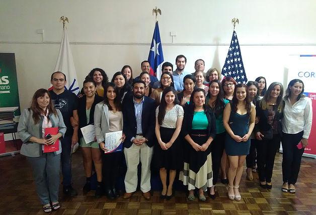 34 trabajadores de turismo concluyen curso de portugués con Becas Capital Humano