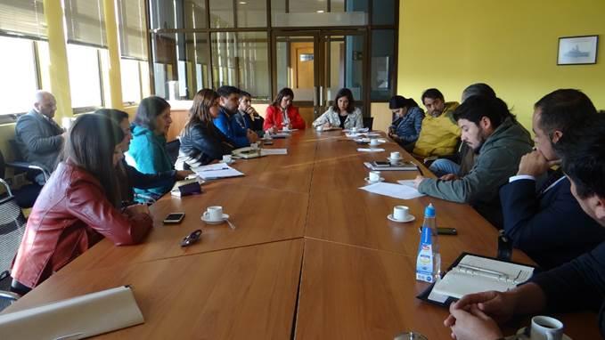 Gobernadores y Sename trabajan en la instalación de mesas provinciales de infancia y adolescencia