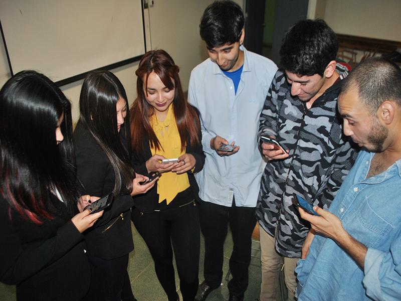 ¿Qué pasaría si un joven tuviera que vivir sin redes sociales? Alumnos de Psicología de UST Viña del Mar encontraron la respuesta
