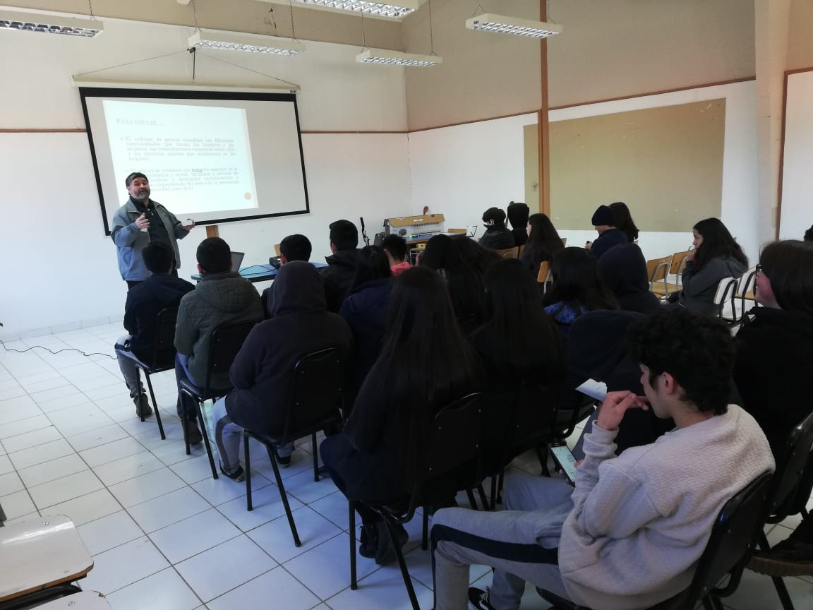 Hospital de Casablanca realiza talleres en colegios para prevenir la violencia en el pololeo