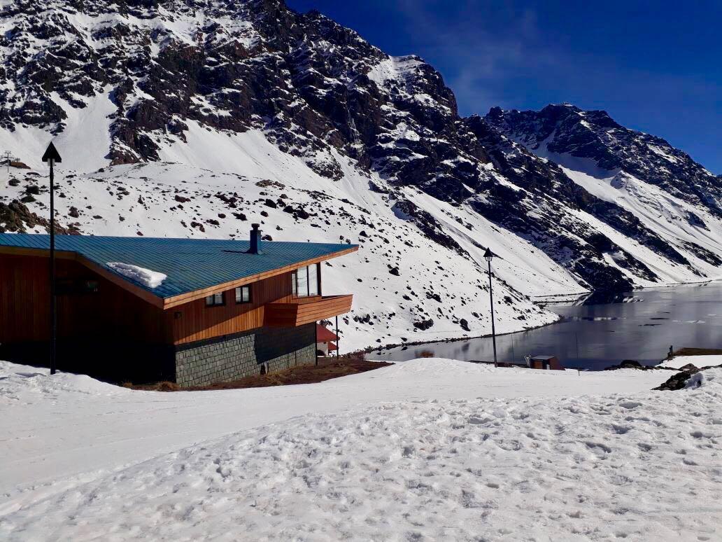 Ministerio de Bienes Nacionales busca garantizar acceso público hacia la Laguna del Inca en Portillo