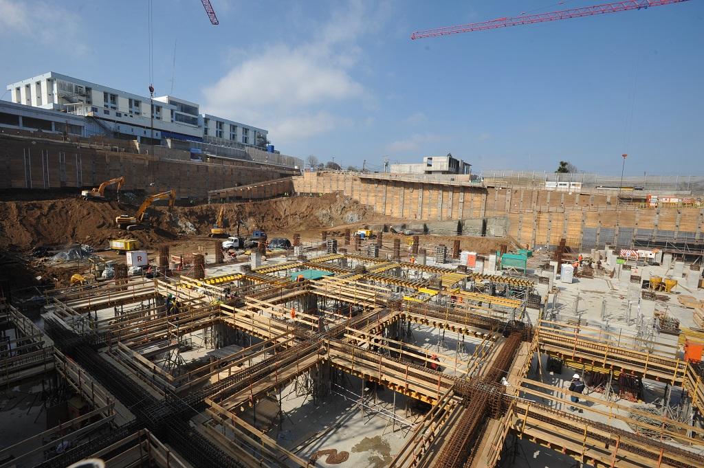 Autoridades constatan avances de la construcción del Nuevo Hospital Claudio Vicuña