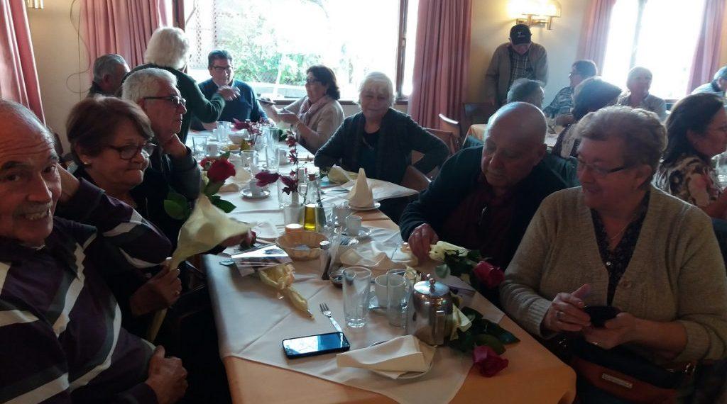 Adultos mayores de Villa Alemana celebraron sus «Bodas de Oro» con viaje de Sernatur