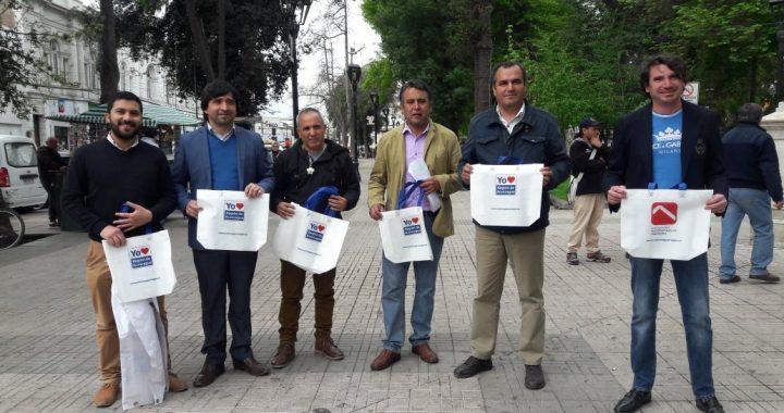 Con la entrega de bolsas ecológicas se inició masiva campaña para difundir la importancia de la Región de Aconcagua