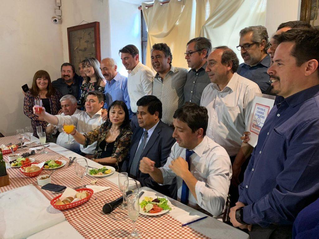 """Enérgico y masivo emplazamiento a subsecretario Salaberry """"a cumplir su palabra"""" con estudio para la Región de Aconcagua"""