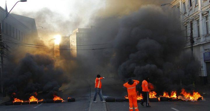 Valparaíso: Trabajadores portuarios eventuales, a la carga otra vez