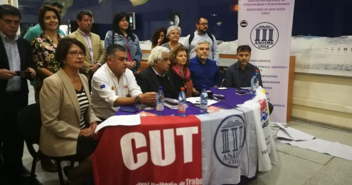 Funcionarios del Mineduc van por la Acusación Constitucional contra ministra Marcela Cubillos