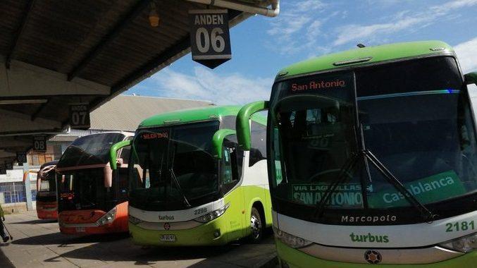 Desazón en Casablanca y San Antonio por suspensión de servicios de Turbus